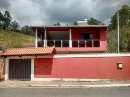 2 ótimas casas vendidas separadamente em Delfim Moreira Sul de Minas Gerais