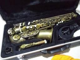 Saxofone Alto Mi b. Marca Shelter