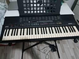 Teclado Musical Yamaha PSR 210