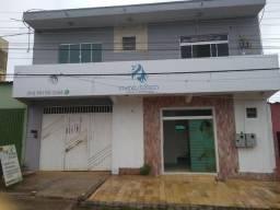 Vende-se este sobrado Comercial e uma residencia de 4 quartos Rua G