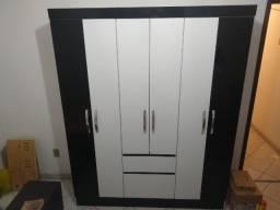 Guarda roupas seis portas e duas gavetas