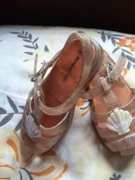Sandalinha com glitter tamanho 23 e 24