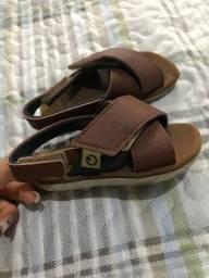 Vende calçado infantil semi novos