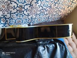 Violão Giannini elétrico com capa