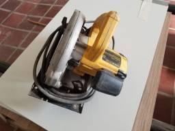 """Serra circular manual Dewalt 127V 1400W 7-1/4"""""""