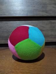 Bola Colorida de Pelúcia 15Cm ( Usado - Retirar em Itapetininga, SP)