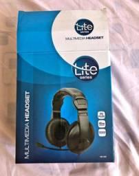 Headset com microfone condensador e regulador de volume.  P2. <br>NOVO, NA CAIXA!
