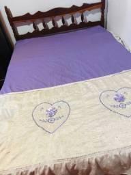 Vendo cama de casal com colchão