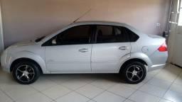Carro Fiesta Sedan Class 1.6 completo