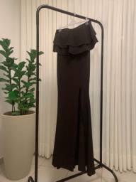 Vestido de festa longo preto com fenda
