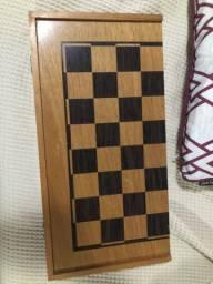 Jogo de Xadrez de madeira