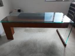 Mesa presidente de vidro e madeira usada