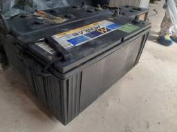Vendo  Bateria  moura 150amp