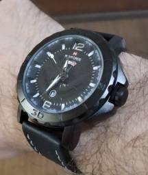 Relógio Masculino Estilo Militar Naviforce Preto