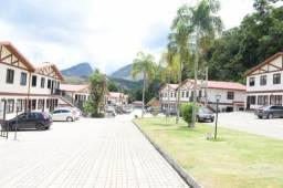 Apto Duplex - 2 qtos e 2 banheiros - Samambaia - Lagos de Itaipava