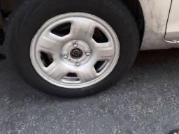 Jogo de aro com pneu