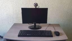 Computador completo com mesinha