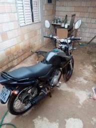 Vendo ou troco esta moto factor de leilão