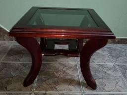 Mesa de canto madeira avermelhada