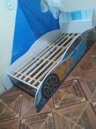 Cama modelo de carrinho