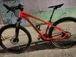 Linda bike ksw ,aro 29 quadro 15.5 ,,garfo Caloi hidráulico  com nota ,muito top