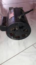 Motor eletrico monofasico  com polia  RPM3420. 1CV