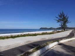 Terreno na praia de Jaconé