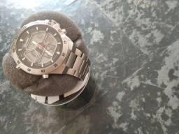 Relógio de Aço
