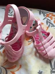 Sandalinha da lol  r$ 30