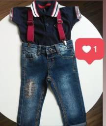 Calça com suspensório e camisa Marisol