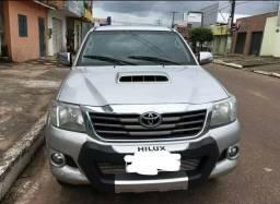 Toyota Hillux Srv 2014 automática