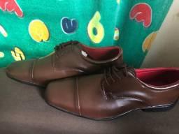 2 Pares de sapatos N°42,por 130,00