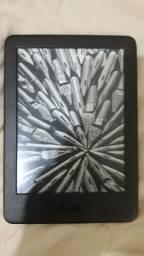 Kindle Preto 10ª Geração, pouco tempo de uso