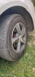 Roda 14 com pneus novos troco em roda 17