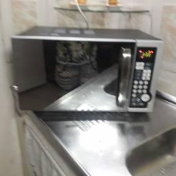 Microondas 28 litros preto espelhado