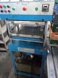 Maquina termoconformção