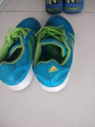 Tênis Adidas Infantil tamanho 32