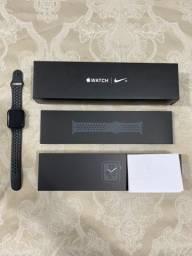 Apple Watch Nike 4 44 mm GPS