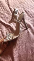 Vendo sandália SCHUTZ original