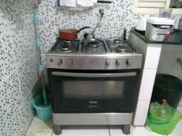 Vendo fogão por 400 não tem defeito