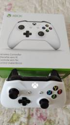 Controle Xbox One S branco (leia o anúncio)