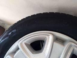 Pneus rodas calotas Fiat Toro