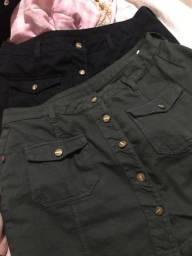 Duas mini saia jeans preta e verde militar TAM 44