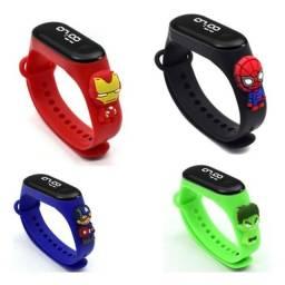 Relógio De Led Infantil Vingadores Heróis Marvel
