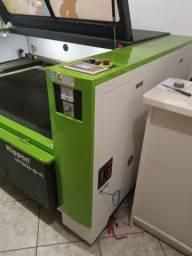 Máquina de corte a Laser com 1 caneta, área de 1300x900mm, potência de 130w