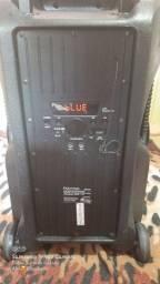 Vendo caixa de som polyvox ela tem 6 meses de uso
