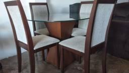 Mesa de Vidro 4 Cadeiras em Madeira Maciça Estofadas (Conservadissima)