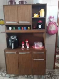 Armário de cozinha  muito conservado