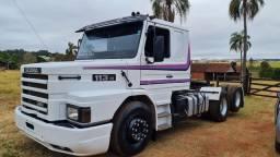 Scania 113h 1994 fino trato arrepiado de pneu