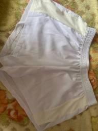 Short branco esportivo